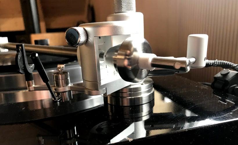 Aquilar Tonarm 10 Zoll von Acoustical Systems Lager und Gegengewicht: Test Bohne Audio