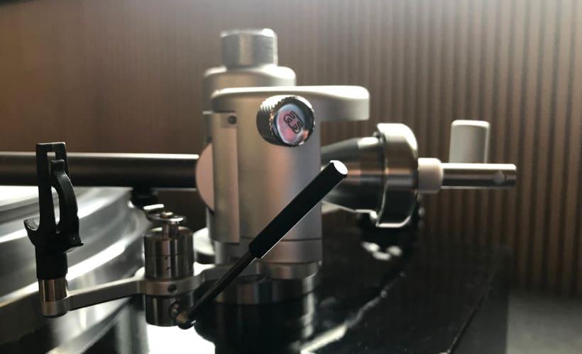 Aquilar Tonarm 10 Zoll von Acoustical Systems Basis und Tonarmlift: Test Bohne Audio