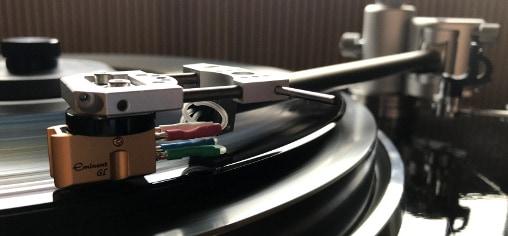 Tonarm Aquilar von Acoustical Systems in der Vorführung bei Bohne Audio