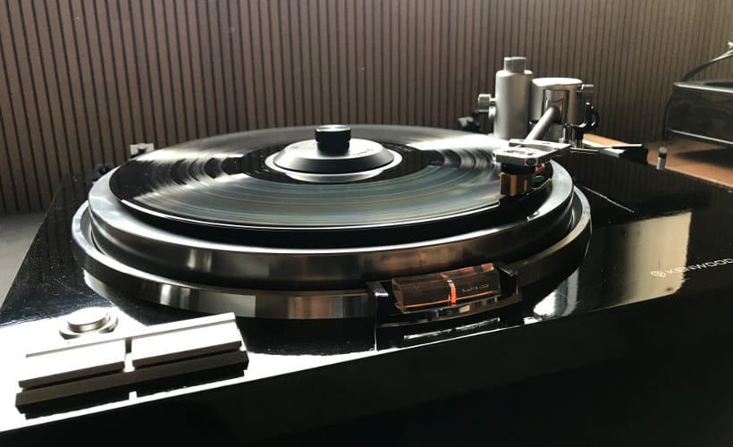 Aquilar Tonarm 10 Zoll von Acoustical Systems: Test Bohne Audio montiert auf Kenwood KD-750 Totale