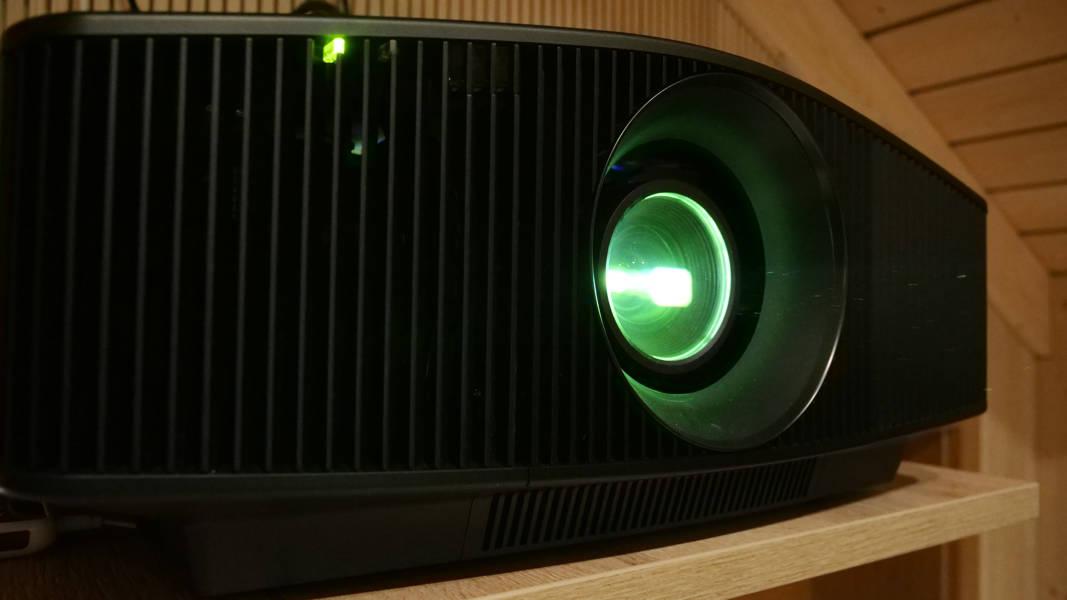 Sony VPL-VW760ES bei Bohne Audio im Test und in der Vorführung 2