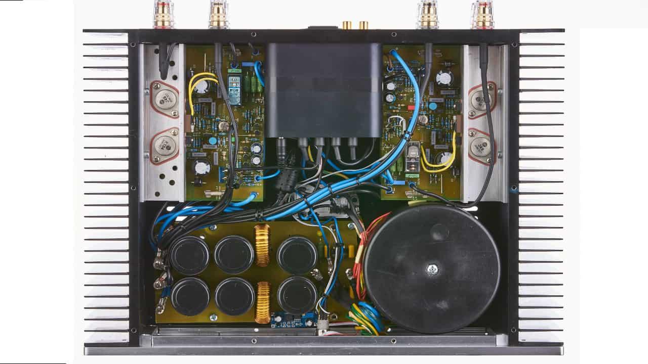 Bohne Audio BB-250: Vollverstärker mit 4-Kanal Endstufe mit hochwertigsten Bauteilen, in Class AB oder Class D erhältlich