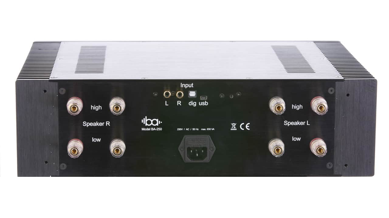 Bohne Audio BB-250: Vollverstärker mit 4-Kanal Endstufe Rückansicht mit Anschlussterminals