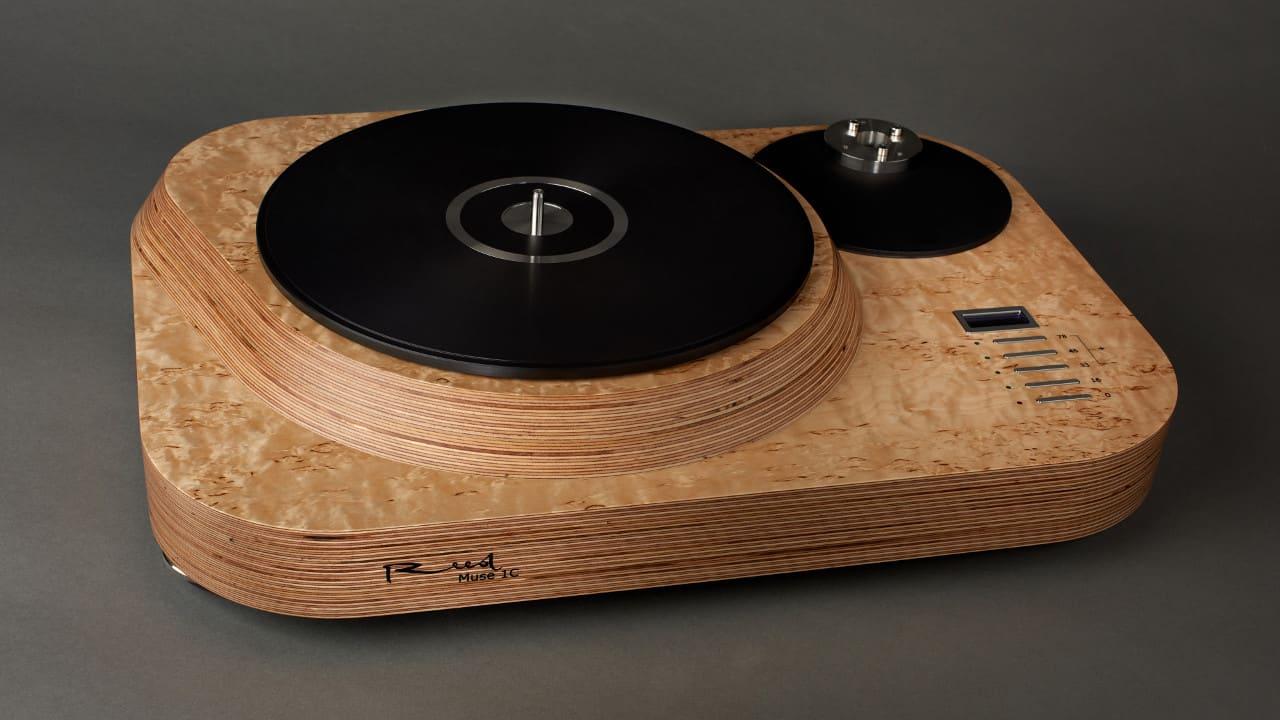 Reed 1c Plattenspieler Laufwerk in Holzoptik bei Bohne Audio im Angebot