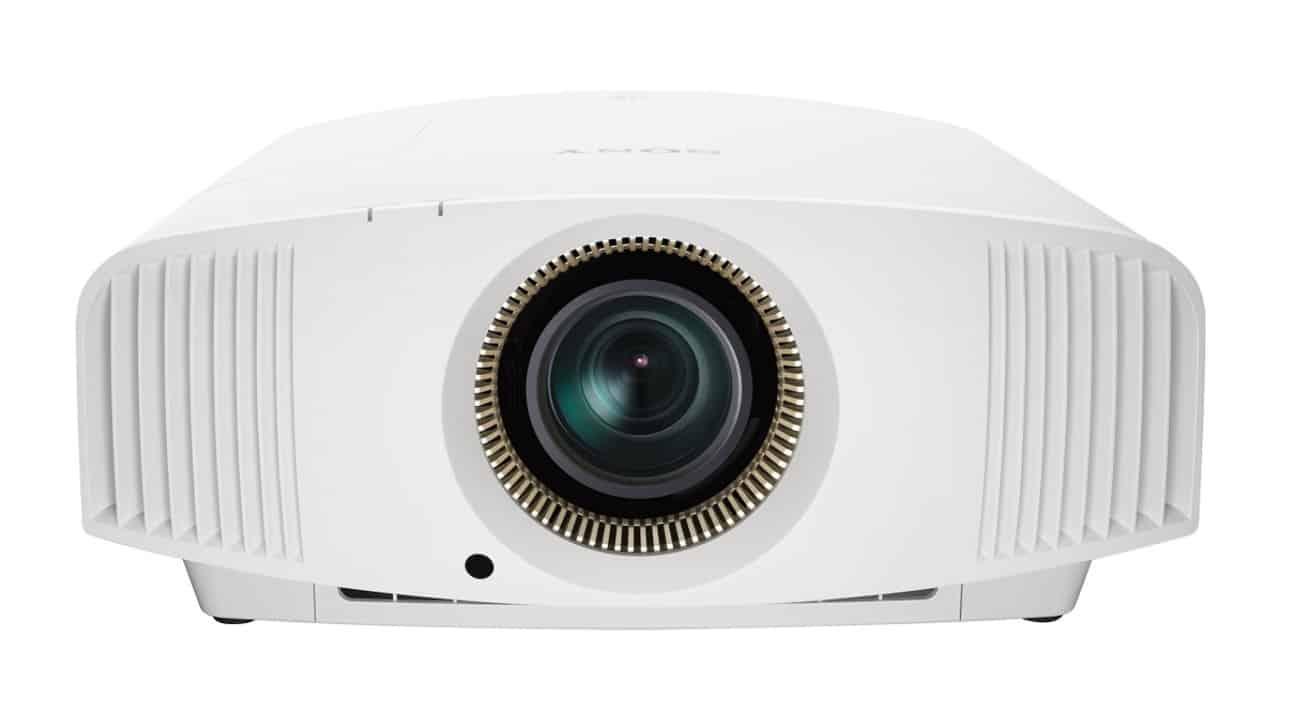 Sony Heimkino Beamer 4K: VPL-VW570ES mit Irisblende und 1800 Lumen von vorne weiß