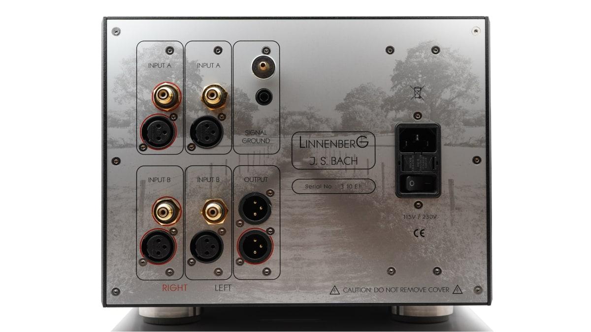 Bach Phonovorverstärker von Linnenberg Audio: 2 Eingänge für 2 Tonabnehmer, vollsymmetrischer Aufbau
